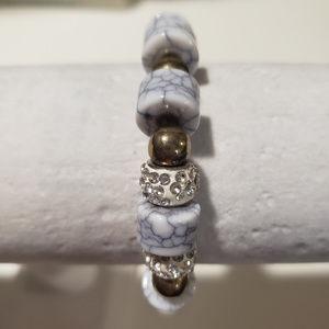 Jewelry - White bracelet